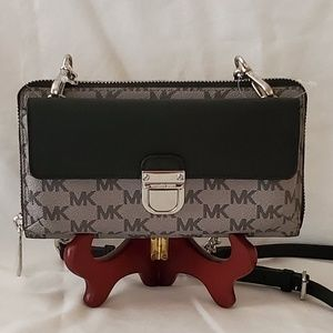 NWT Michael Kors Bridgette Wallet on a Chain